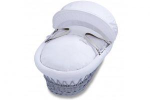 izziwotnot-classic-waffle-range-grey-moses-basket-with-white-bedding-2
